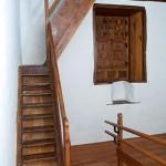 Casa de los Coroneles, interior. Escalera de acceso a la planta alta. La Oliva, Fuerteventura.
