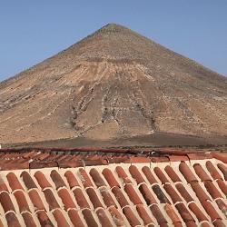Montaña del Frontón, al sureste de la Casa
